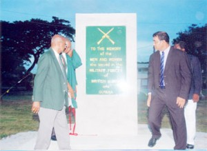 President Jagdeo unveils the National Veterans Monument in November 2005.