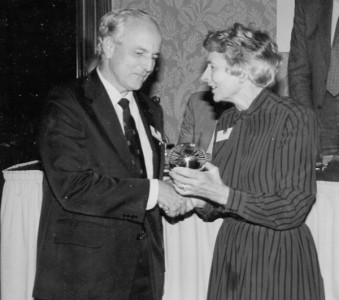 David de Caires receives the Commonwealth Press Union's Astor Award for his contribution to press freedom from Lady Astor in July 1992.