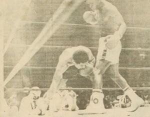Vernon Lewis knocks down the great Wilfredo Benitez.