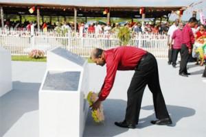 President Bharrat Jagdeo laying a wreath at Babu John (GINA photo)