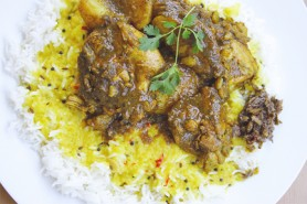 A meal to linger over: dhal, rice and curried chicken (Photo by Cynthia Nelson)