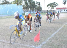 Walter Grant Stewart leads the way in the final race of the day which was open to all cyclists. (Aubrey Crawford photo)