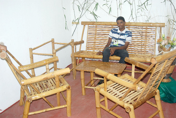 Roek News October 2 2010 Share A Bamboo Furniture