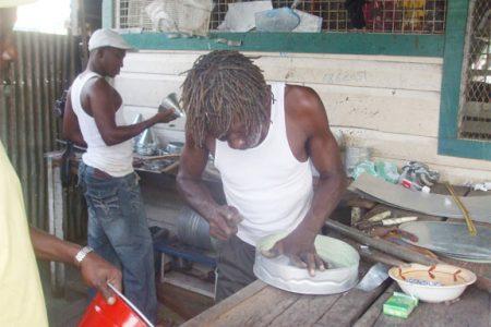Making a cake tin