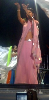 Shilpa Shetty greeting the audience last night