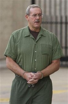 Allen Stanford arriving at court on January 23 (Reuters photo)