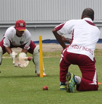 Baugh does wicketkeeping drills with Andre Coley ahead of today's all important second test against Australia.(Windiescricket.com)