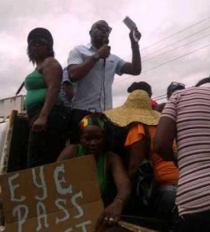 Region 10 Chairman Kuice Sharma Solomon addressing the protesters today