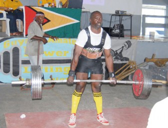 The 74 kgs Masters Two World deadlift record holder Winston Stoby, dead lifting 267kgs/589 pounds last Sunday at the 2012 Intermediate and Masters Championships which was staged at St Stanislaus College. (Orlando Charles photo)