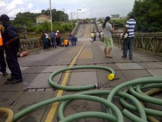 The sunken portion of the bridge is evident