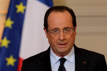 France's President Francois Hollande delivers a statment on the situation in Mali at the Elysee Palace in Paris, January 11, 2013. REUTERS/Philippe Wojazer