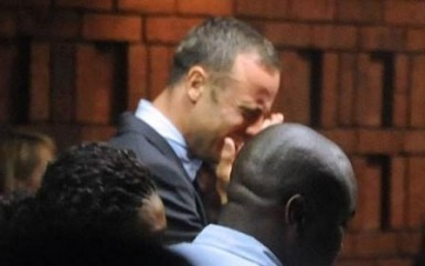 Oscar Pistorius crying on his first court appearance. (Internet photo)