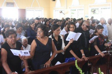 20130409funeral6