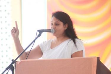 Reepu Daman Persaud's daughter, MP Vindhya Persaud speaking at the funeral ceremony yesterday