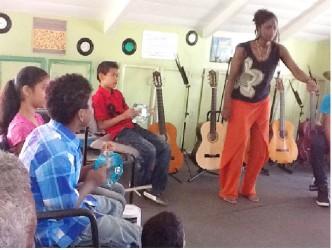 Diaspora volunteer to the Tina Insanally Foundation, Abby Greene and the children