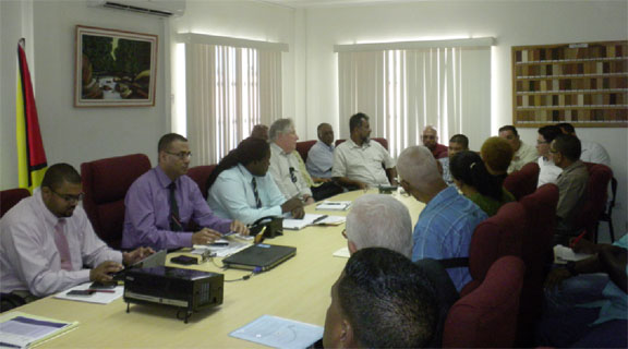 Stakeholders meeting on Monday (Ministry of Natural Resources photo)