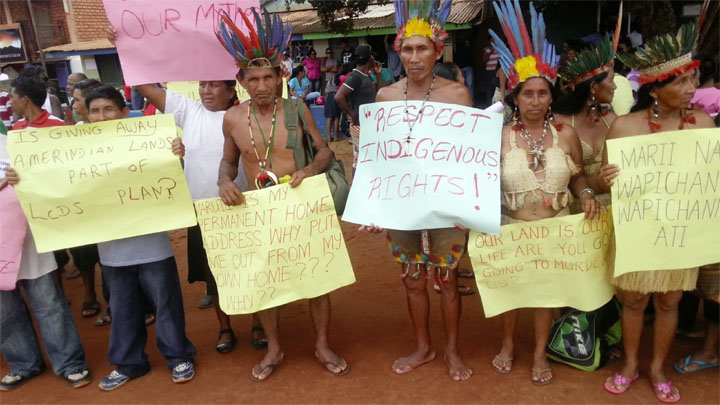 Some of the Wapishan villagers protesting yesterday in Region Nine