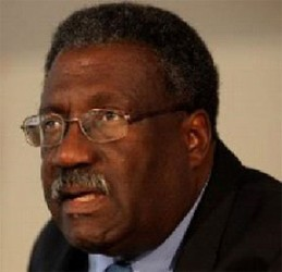 """Clive Lloyd: """"I think Sammy has taken over the responsibility at a difficult time and he has done well since then and deserved a longer try"""""""