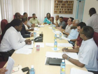 The newly elected executive of the Guyana Gold and Diamond Miners Association, led by its President Patrick Harding and including President of the Guyana Women Miners Organisation (GWMO) Simona Broomes, met Minister of Natural Resources Robert Persaud, senior officials of the ministry, the Guyana Geology and Mines Commission (GGMC) and the Guyana Gold Board (GGB) on Thursday. (Government Information Agency photo)