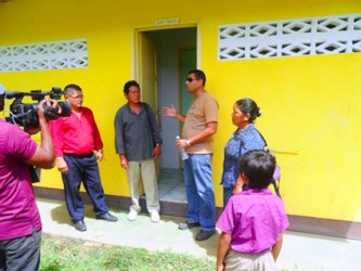 Tipuru Primary School lavatory facilities being commissioned (GINA photo)