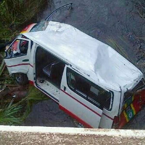 The bus in the Kairuni Creek