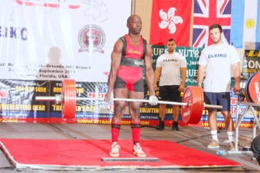 Record Lift! Winston Stoby deadlifting a record 277.5kgs at the World Masters Championships last Tuesday in Orlando, Florida.