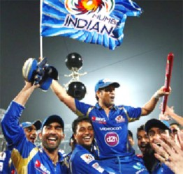 Sachin Tendulkar is lifted by his team-mates after Mumbai Indians' 33-run win against Rajasthan Royals in the Champions League final© BCCI