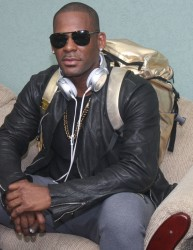 R&B R. Kelly at the Cheddi Jagan International Airport Timehri yesterday, shortly after his arrival (Photo by Arian Browne)