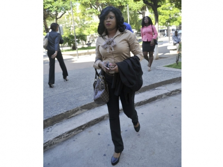 Shanique Myrie on her way to court this morning. (Jamaica Gleaner photo)