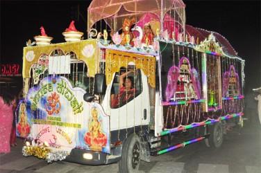 Soesdyke Vishnu Mandir float at last evening's Diwali Motorcade. (Photo by Orlando Charles)