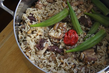 Pot of Black-eye Cook-up Rice (Photo by Cynthia Nelson)