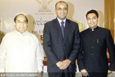 From left DY Patil, former President Bharrat Jagdeo and Ajeenkya Patil at a reception in February 8, 2011 that was hosted in Jagdeo's honour by the Patils in Mumbai.  (The Times of India  photo)