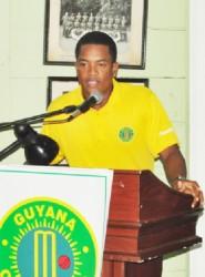 Leon Johnson speaks on behalf of the awardees