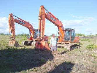 Valare Anderson and the excavators