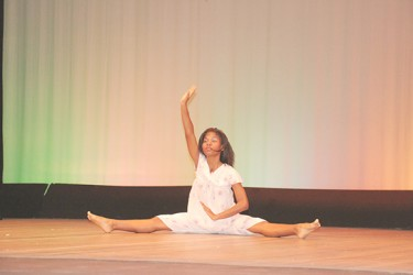 5-2-14 CHILDREN MASH DAY 3----14-17 INDIVIDUAL DANCE-IMG_0091
