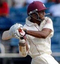Shiv Chanderpaul ... hit 91 for Derbyshire.