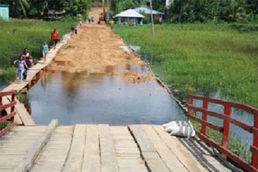 Bridging communities?