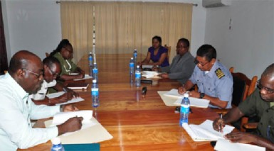 The agreement being signed (GDF photo)