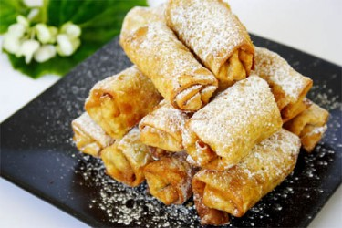 Banana-Chocolate Spring Rolls (Photo by Cynthia Nelson)