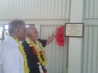 President Donald Ramotar unveiling the plaque