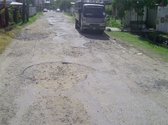 The dreadful Market Road, Beterverwagting on which the NDC office is located