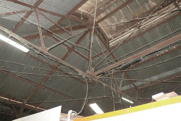 The present condition of the roof at the La Penitence market