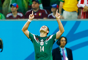 Mexico's Javier Hernandez celebrates after scoring a goal during their 2014 World Cup Group A soccer match against Croatia at the Pernambuco Arena in Recife June 23, 2014. REUTERS/Eddie Keogh