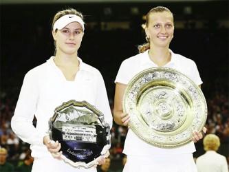 Runner-up Eugenie Bouchard (left) and Champion Petra Kvitova