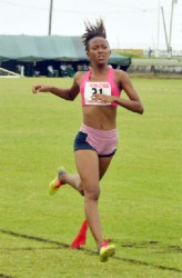 All Alone! Cassey George cruising to the 1500m gold.(Orlando Charles photo)