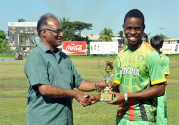 TOP BAT! Shimron Hetmyer receiving his MVP award from Director of Sports Neil Kumar.