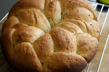 Anise-seed Bread (Photo by Cynthia Nelson)