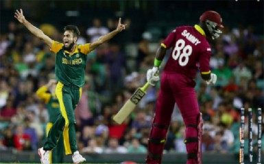South Africa's leg spinner Imran Tahir dismissed Darren Sammy to a brilliant bit of stumping by wicketkeeper Quinton De Kock.