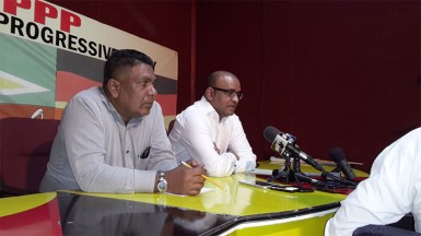 Bharrat Jagdeo (right) and PPP Secretary Zulfikar Mustapha at the press conference