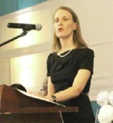 Dr Nicole Giles
